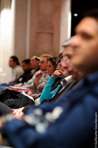 Rencontres CAE - Le public participe à la discussion